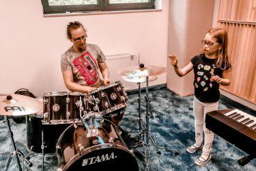 FabLab Pobite Gary, warsztaty muzyczne, perkusja i klawisze