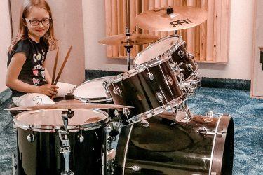 FabLab Pobite Gary, warsztaty muzyczne,nauka gry na zestawie perkusyjnym