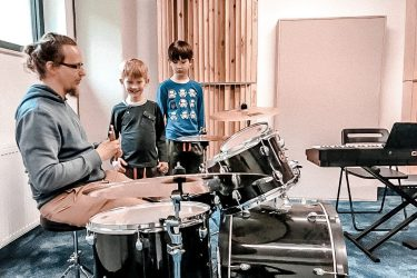 FabLab Pobite Gary, warsztaty muzyczne, perkusja